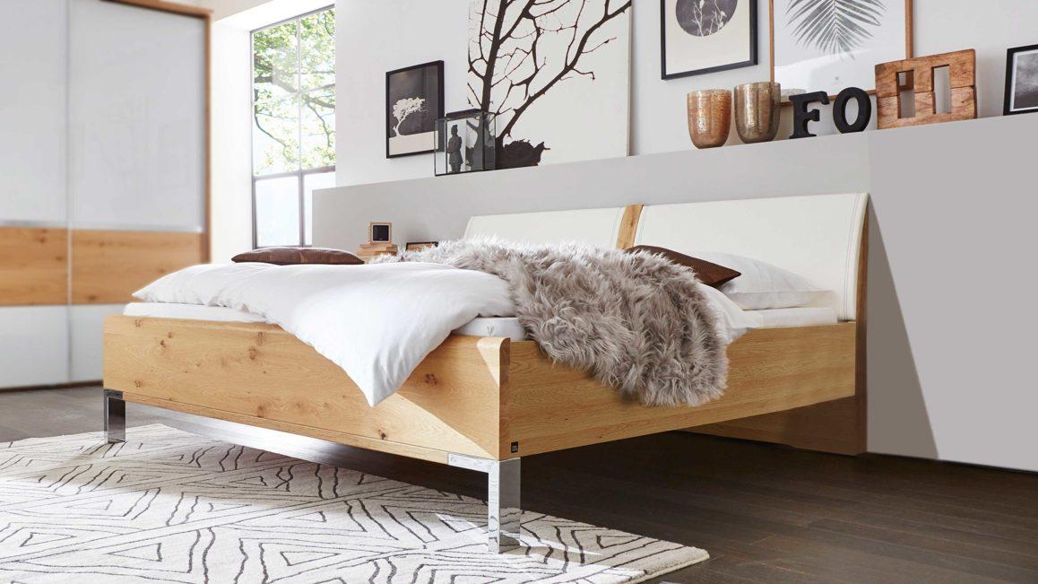 Schlafzimmer Idee, weiß mit Holz